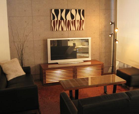 tv02-image