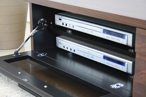 扉の中には棚板もある便利なテレビ台無印より良い