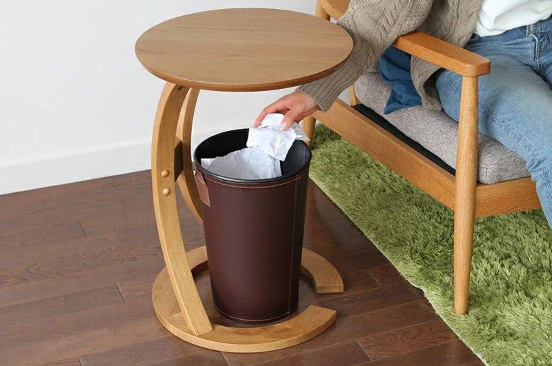 ゴミ箱も置けるソファ横机